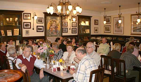 Das Radeberger Traditionszimmer in unserem Restaurant an der Frauenkirche in Dresden